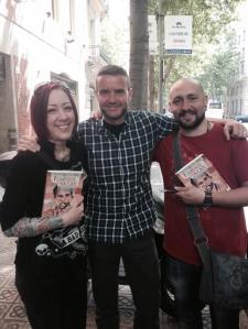 """Con Cristina Béjar y David Garriga, en la firma de """"Las legiones de Satán"""", en Librería Gigamesh"""