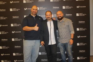 "Con Conrad Mess, director de la fabulosa y multipremiada ""The other side"" (izq.) y David Cornadó, director del Festival Cinephone."