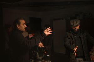 Hablando sobre una toma con Jordi Carbonell (Fotografía de Patrici Pérez)